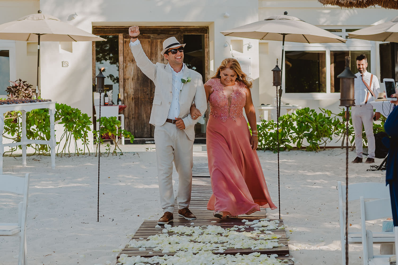 destination-wedding-cancun-14 Destination Wedding Cancun - Viviane + Lucas